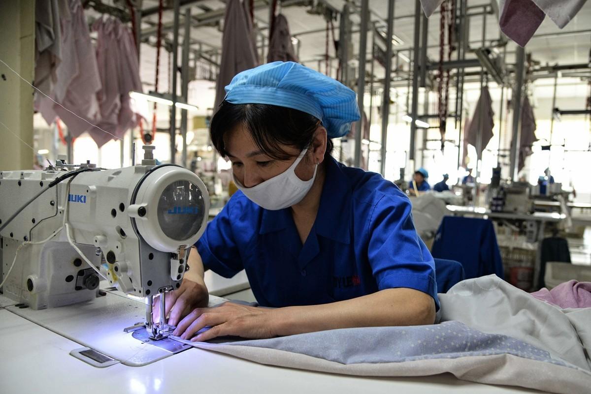 特朗普總統命令美國公司將工廠遷出中國。許多企業已經在付諸行動。(STR/AFP/Getty Images)