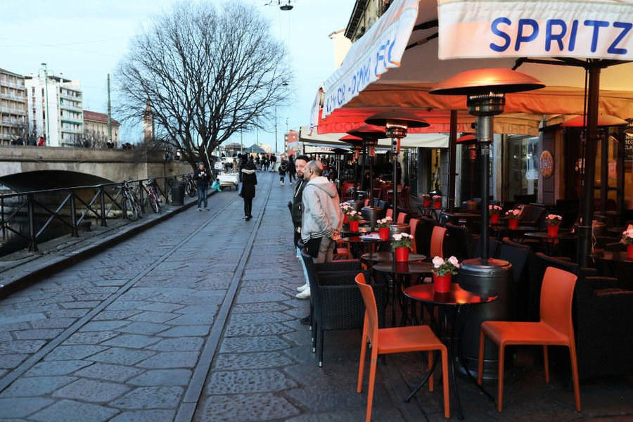 反抗封鎖和宵禁 意大利數萬餐館違章開業