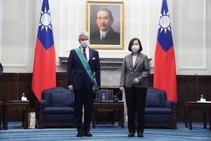 法國參議員李察稱台灣是國家 中共惱怒