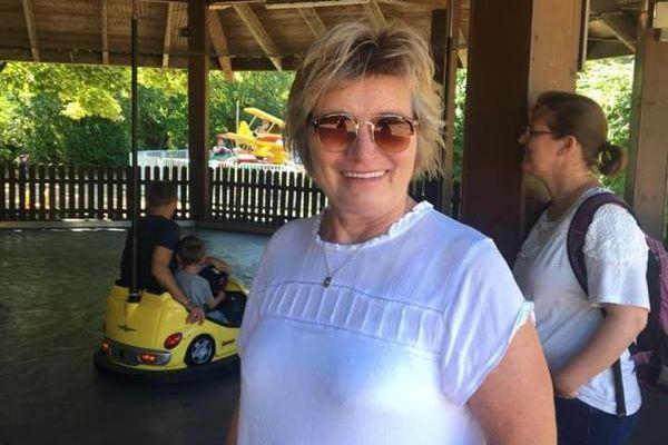 64歲的康妮·布里克斯(Connie Brix)在認清中共邪惡本質後,從中共病毒(武漢肺炎)的病症中恢復健康。(大紀元)