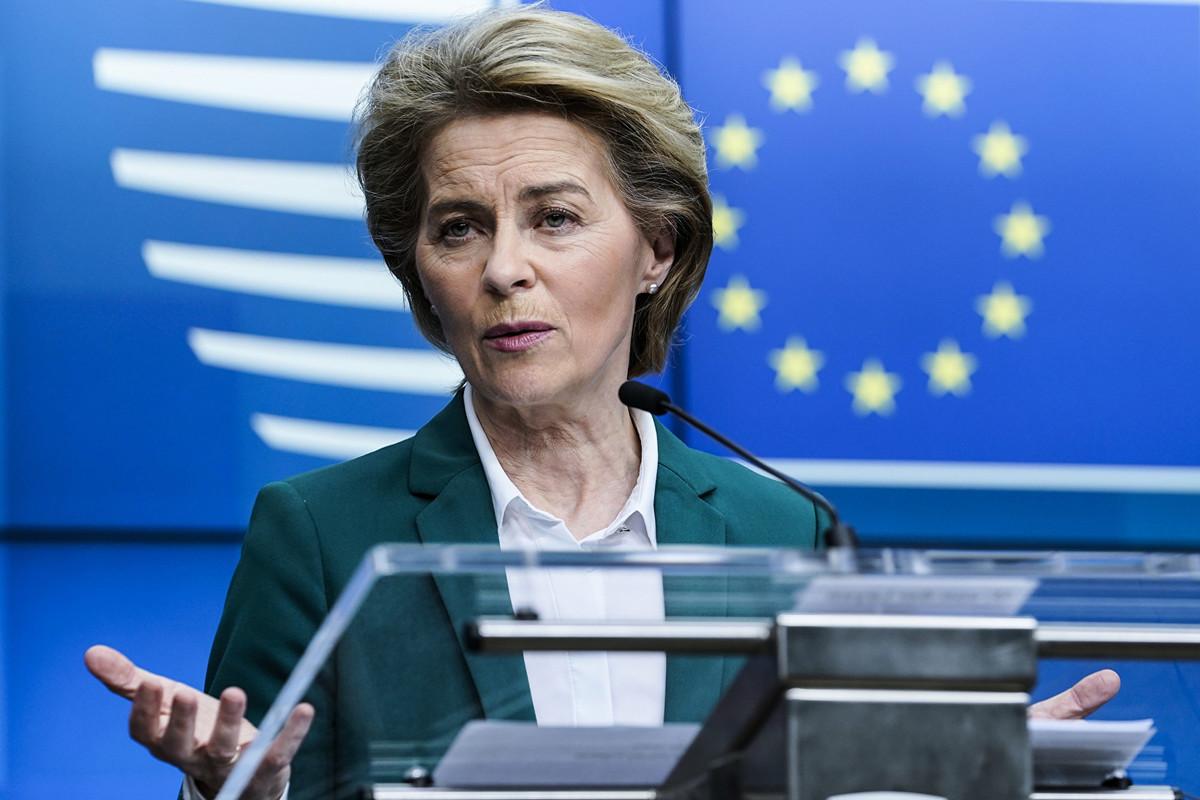 歐盟執委會主席馮德萊恩(Ursula von der Leyen,如圖)3月16日宣佈,未來30天內禁止非必要的入境,以應對和遏制中共病毒在歐洲的持續蔓延。(Photo by Kenzo TRIBOUILLARD/AFP)