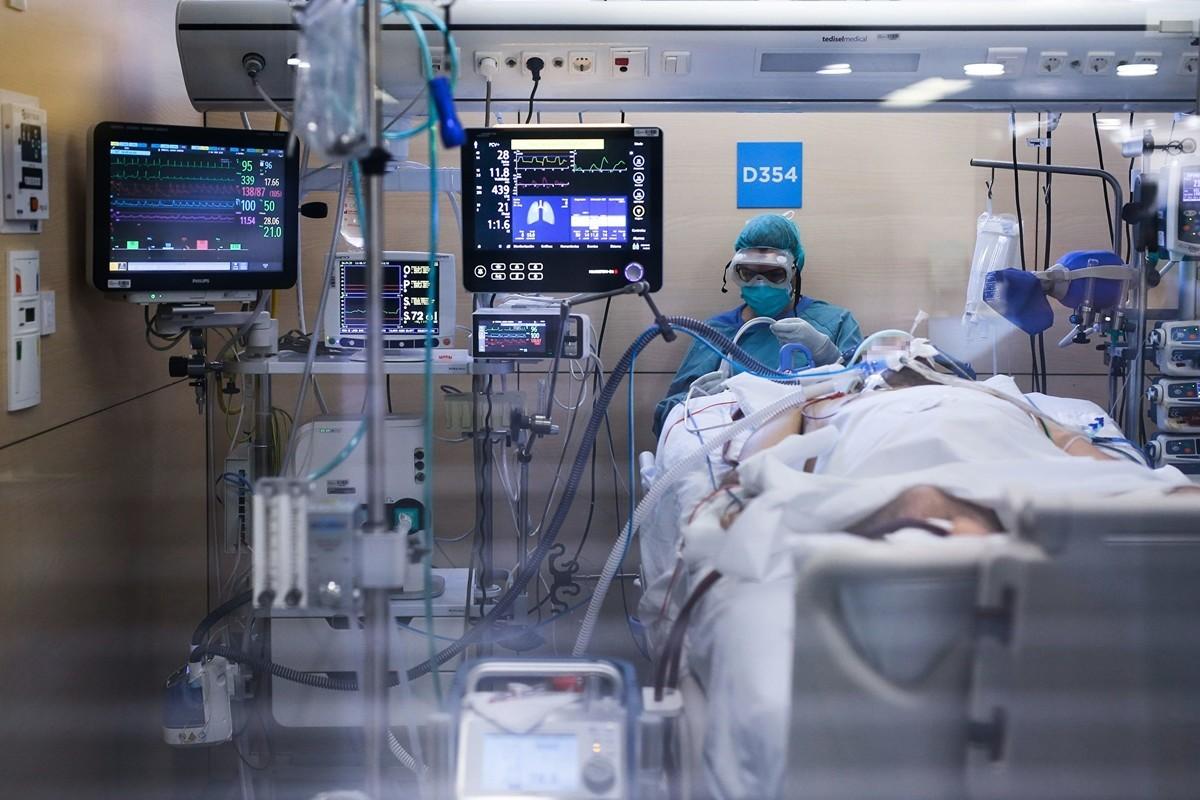 中共肺炎(俗稱武漢肺炎、新冠肺炎)如果發展至重症,很可能留下無法恢復的後遺症。(PAU BARRENA/AFP via Getty Images)