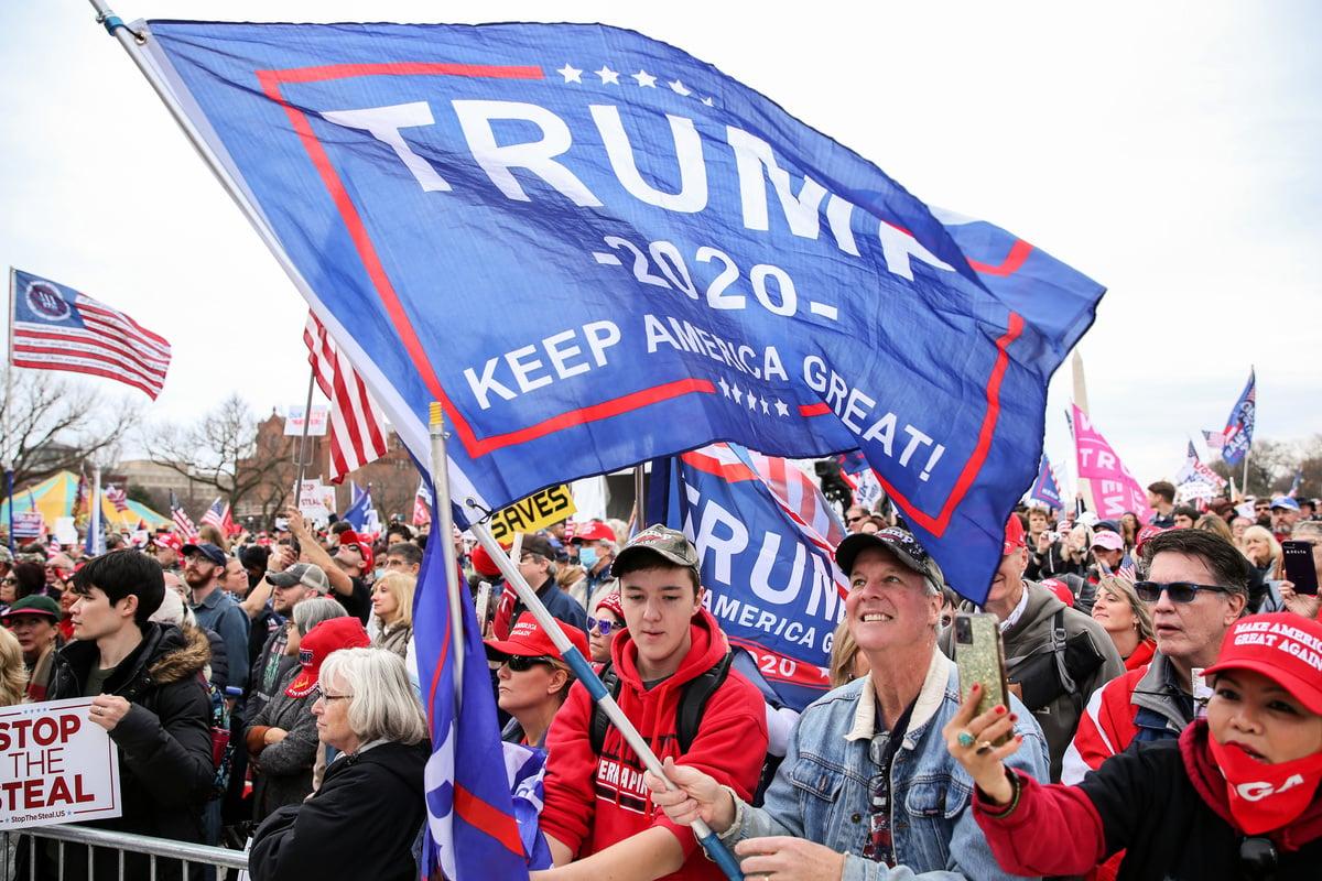 2020年12月12日,美國華盛頓DC,特朗普的支持者舉行反竊選集會。(Samira Bouaou/The Epoch Times)