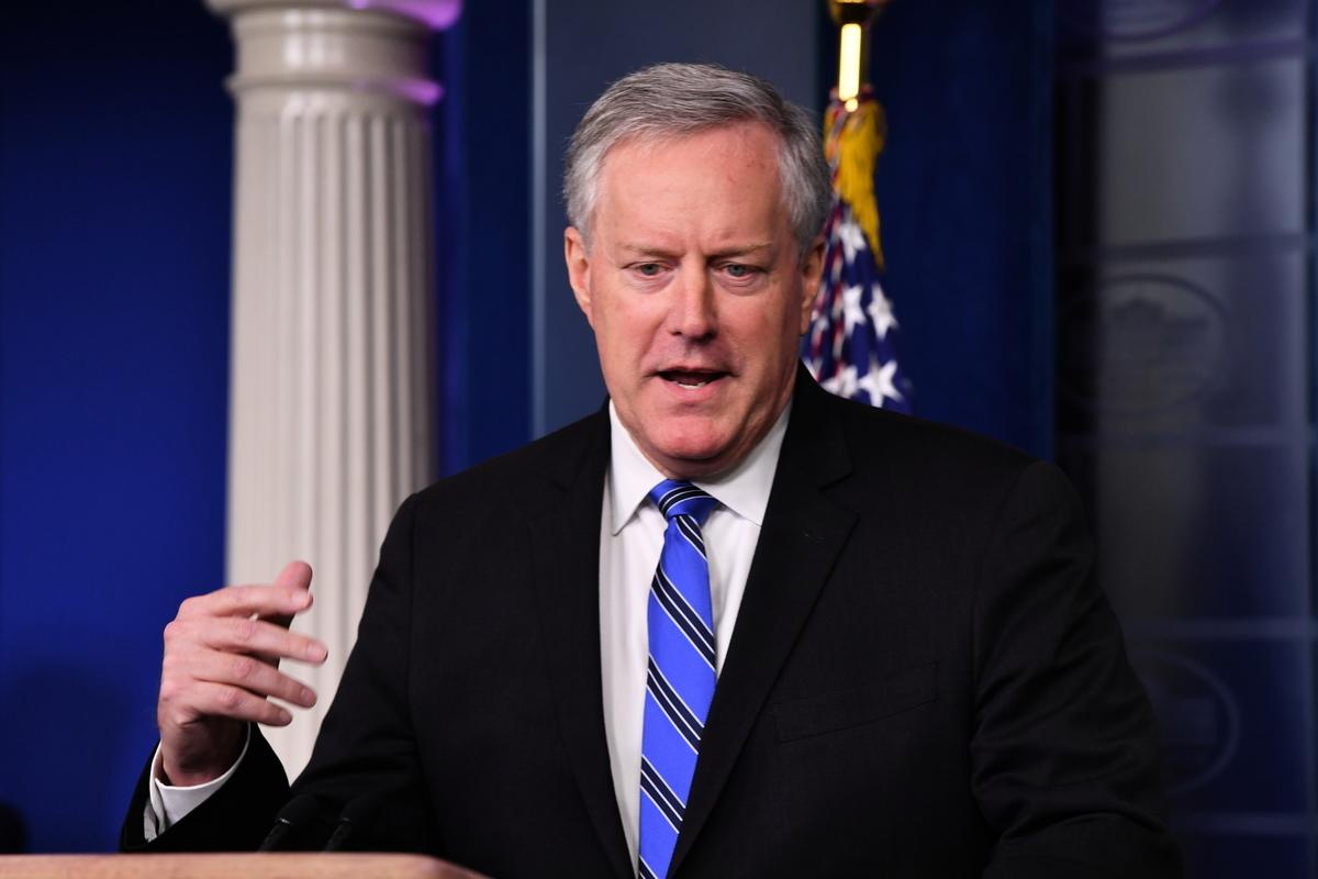 白宮幕僚長馬克·梅多斯(Mark Meadows)周一(8月17日)表示,美國總統特朗普在決定禁止短影片應用程式TikTok之後,已在考慮禁止其它中資公司。梅多斯解釋了哪些中企可能被特朗普禁止。(Nicholas Kamm/AFP)