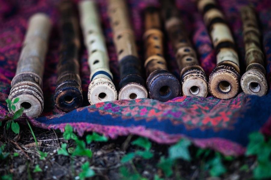 印度神奇的笛子 只要揮動就會發出樂音