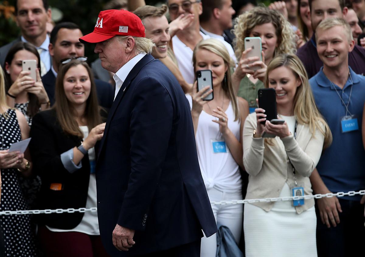美國總統特朗普6月10日接受媒體電話採訪時表示,中國國家主席習近平能直接影響貨幣政策,並稱習是中國的聯儲(央行)主席。(Win McNamee/Getty Images)