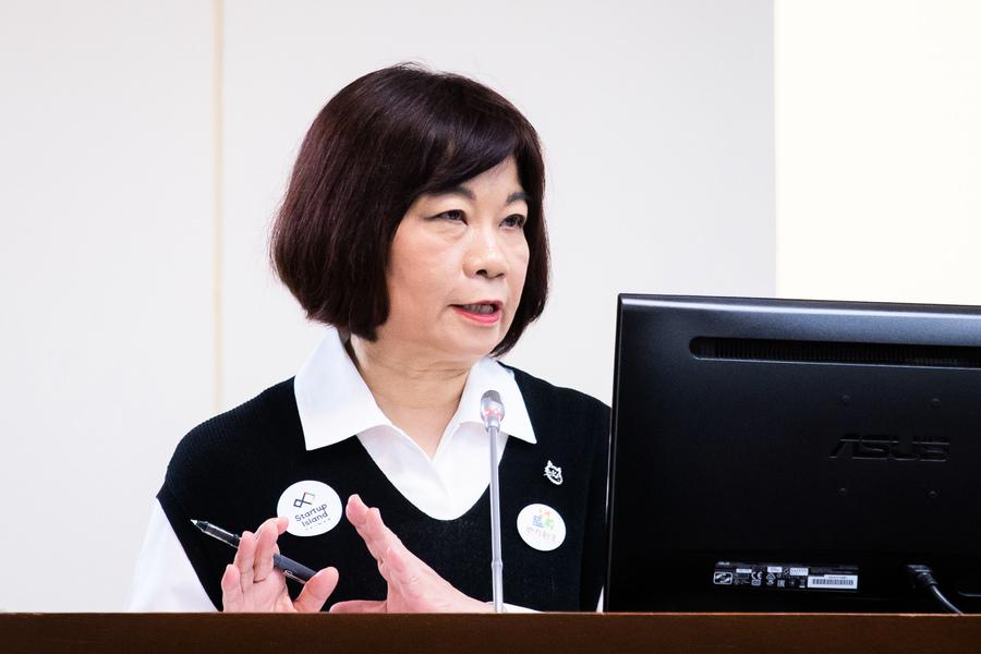台灣防疫得宜 國發會:經濟有望打勾式復甦