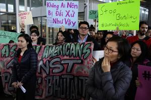 兩年前被美聯航趕下飛機 華裔醫生首發聲