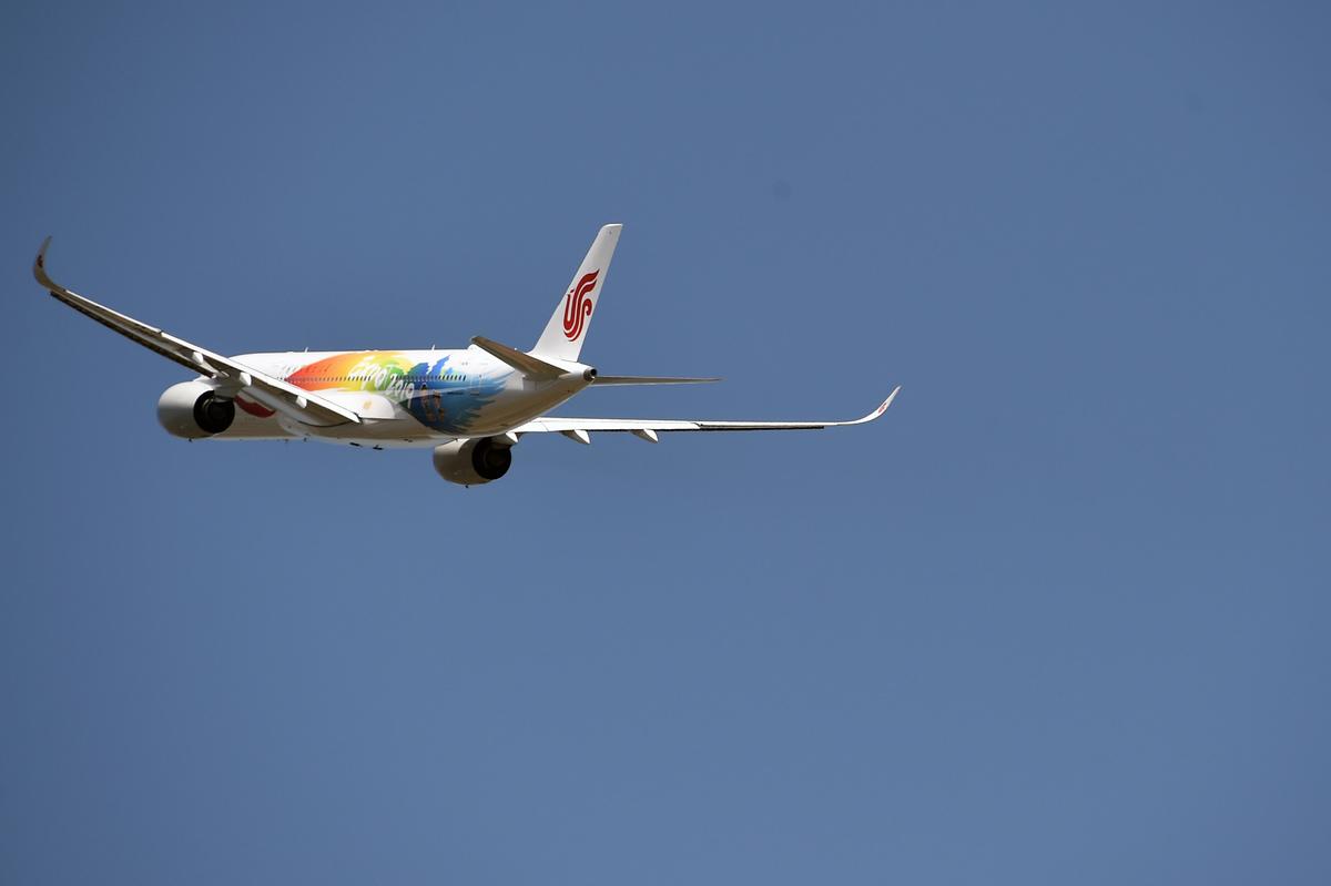 中國航空公司今年夏天發生一連串的駕駛失誤問題,置乘客生命於危險之中。(PASCAL PAVANI/AFP/Getty Images)