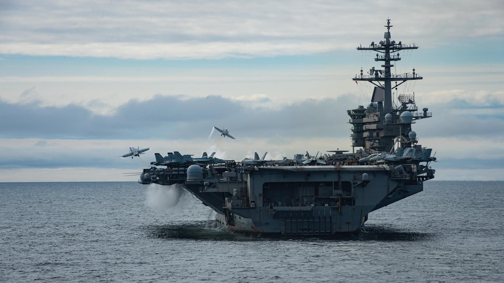 4月29日,羅斯福號航空母艦(CVN 71)在東太平洋的美國第三艦隊區域內進行艦載機訓練。(美國海軍)