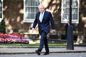 【疫情透視】英國首相執政有何缺失