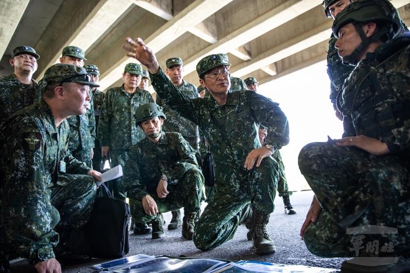 中華民國國軍「漢光36號演習」7月13日展開,國防部長嚴德發提醒各單位,部隊能夠發揮關鍵戰力,靠的就是「戰力保存」。(軍聞社提供)