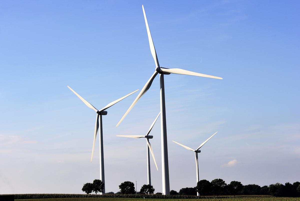 因中共食言,大陸清潔能源新項目開發商負債420億美元。(AFP)