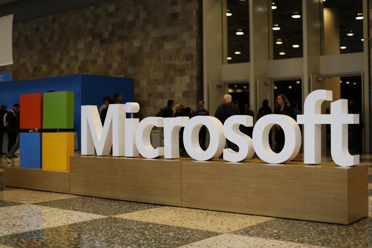 谷歌公開向澳洲發出威脅後,微軟公司上周聯繫了澳洲總理莫里森,該公司行政總裁兼總裁納德拉(Satya Nadella)表示,如果谷歌撤出澳洲,微軟有能力填補谷歌留下的市場空缺。(Stephen Lam/Getty Images)
