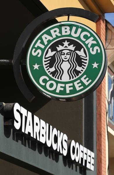 星巴克在星期三宣佈,在2021年前增開12,000家新店。(Justin Sullivan/Getty Images)