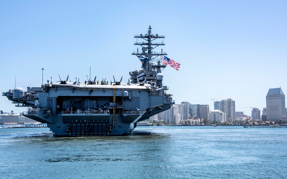 周一(6月8日),尼米茲號(CVN-68)航母於當地時間上午11:30離開聖地牙哥母港,將在西太平洋部署。(U.S. Navy photo by Mass Communication Specialist 2nd Class Natalie M. Byers/Released)