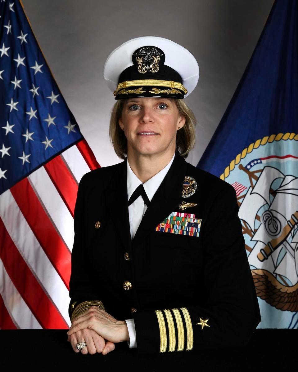 美國海軍將任命鮑恩施密特為史上首位母艦女艦長,預計2022年上任。(US Navy)
