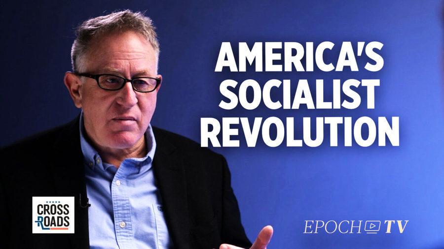 作家勞登:美國正進行社會主義革命