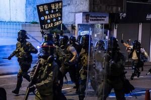 【8.4反送中組圖3】港島西集會 警方發射催淚彈驅離