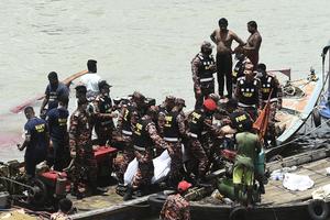 孟加拉渡輪撞貨船沉沒 至少5死多人失蹤