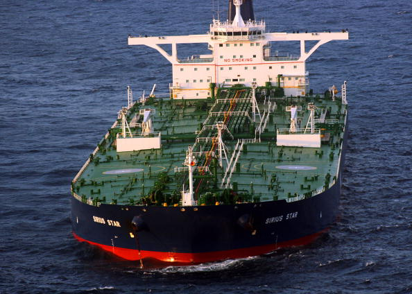 中共7月大量進口伊朗石油 美專家:恐違規
