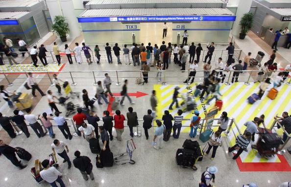 圖為上海浦東機場。(LIU JIN/AFP/Getty Images)