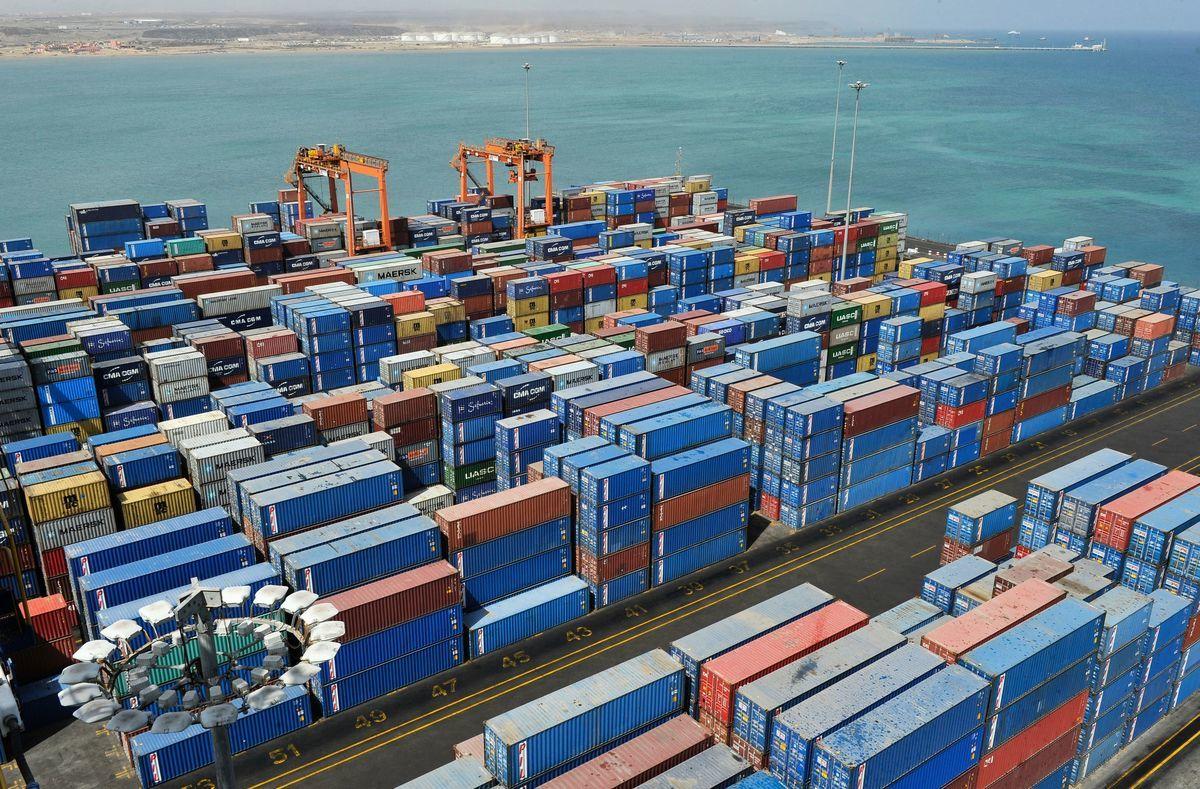 非洲國家吉布地的多哈雷貨櫃碼頭管理公司9月6日與太平洋船務公司簽約。這項合約可以讓港口的處理量,朝每年160萬個貨櫃的最高容量前進一步。圖為吉布地港口。(SIMON MAINA/AFP/Getty Images)