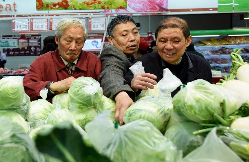 憂貿易戰引發通脹? 北京發糧油價格調控預案,許多民眾擔心,預案是否在為接下來可能的大幅通貨膨脹做準備。(STR/AFP/Getty Images)