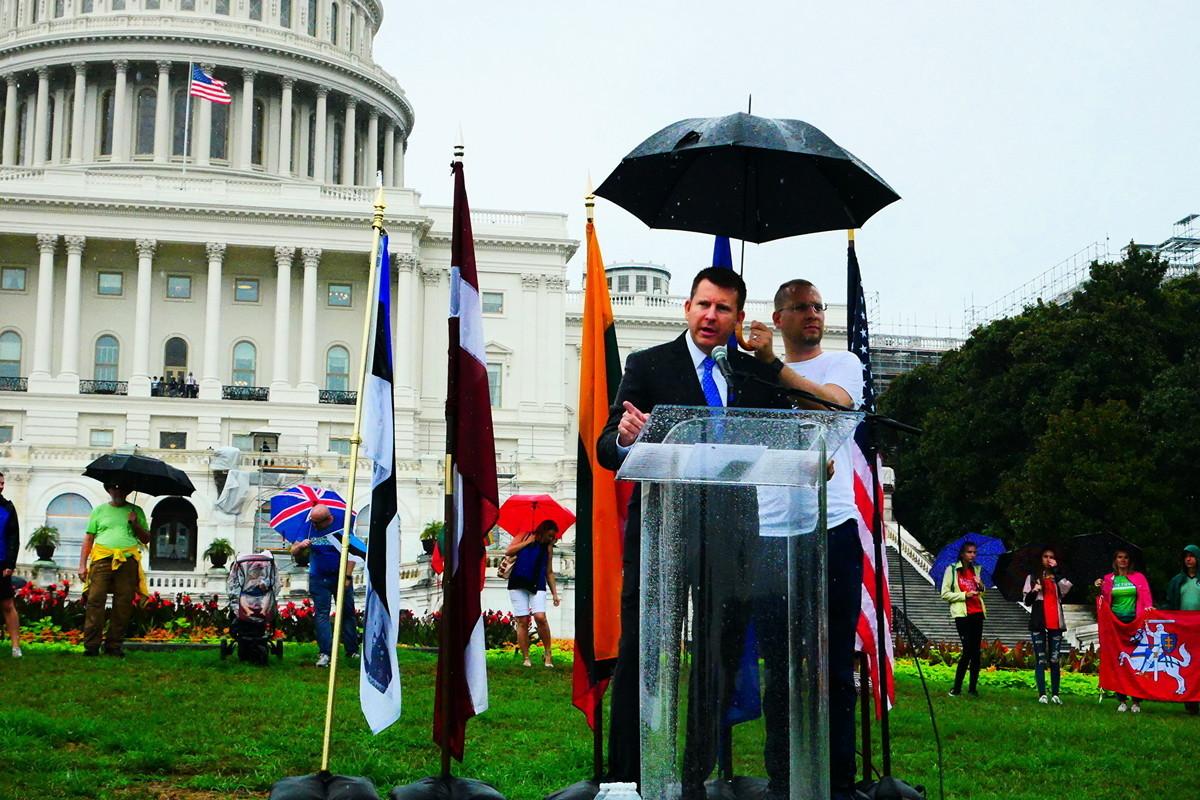 8月23日,美國國會山舉行「波羅的海之路」30周年紀念活動。圖為愛沙尼亞駐美大使 Jonatan Vseviov在集會上發言。(李辰/大紀元)