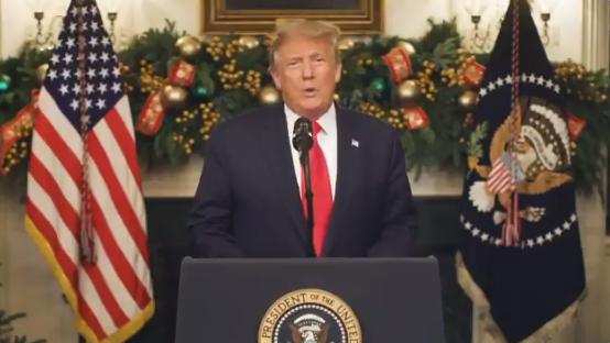 2020年12月31日,特朗普總統通過推特發表講話影片,回顧2020年美國在中共病毒疫情下,美國人創造了奇蹟。(特朗普影片截圖)