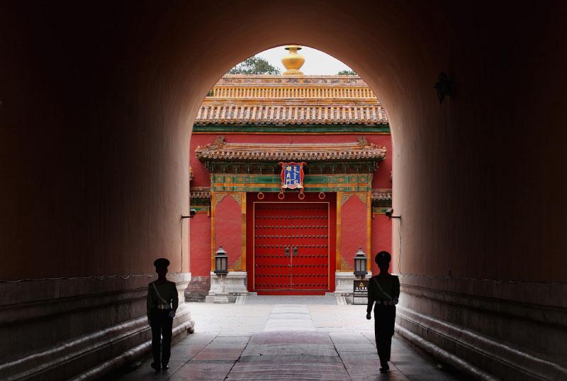 一直以來,造成中國官場腐敗盛行的根源,都不偏不倚地指在「體制」這個核心點上。(Getty Images)