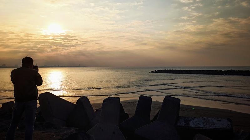 【影片】台灣高雄方塊海奇景 全球罕見