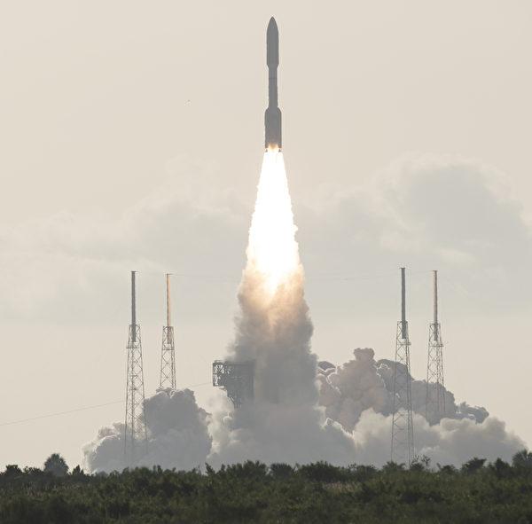 2020年7月30日,NASA「火星2020毅力號探測車」(Mars 2020 Perseverance Rover)從美國佛羅里達州卡納維拉爾角空軍基地(Cape Canaveral Air Force Station)41號發射場發射升空。(Joel KOWSKY/NASA/AFP)
