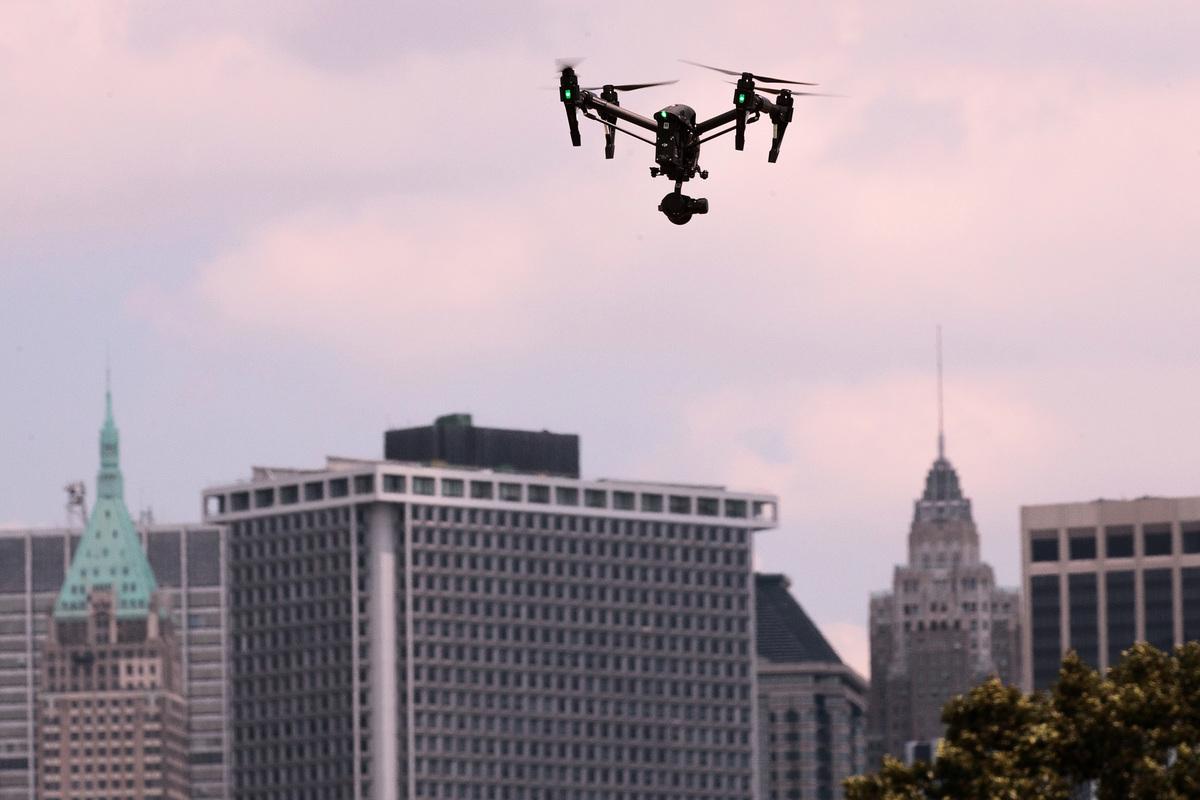「中國製造」無人機因威脅美國國家安全而遭遇紅燈。(Drew Angerer/Getty Images)