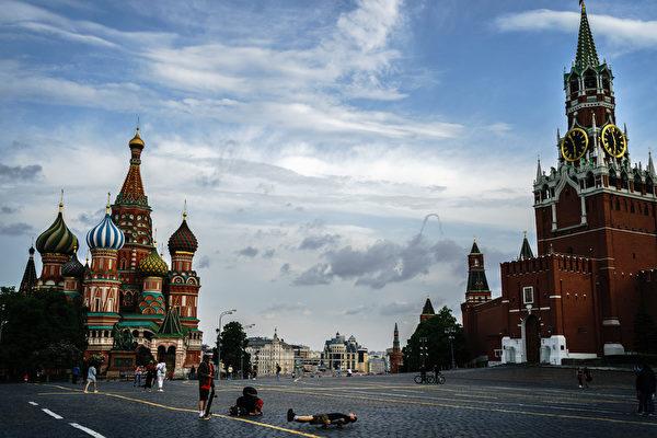 一直以來,中俄關係被喻為「官熱民冷」,即官方表面熱絡,民間疏遠。圖為俄羅斯的紅場。(Dimitar DILKOFF/AFP)