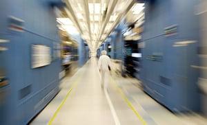 大陸最大記憶體晶片廠高管:80%設備依賴美日