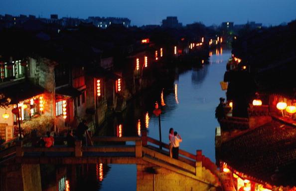 西塘鎮是一座已有千年歷史文化的古鎮,鎮上有大量保存完好的明清時期江南名宅,被譽為「活著的千年古鎮」。(Photo by China Photos/Getty Images)