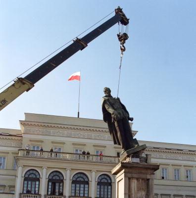 金雁:「既得利益者」何以成為反對蘇維埃的先鋒?