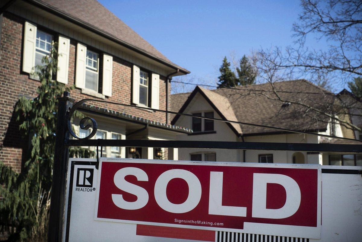 最新數據顯示,大多倫多地區6月住房銷量與房價均低於5月,但高於去年同期。(Graeme Roy/加通社)