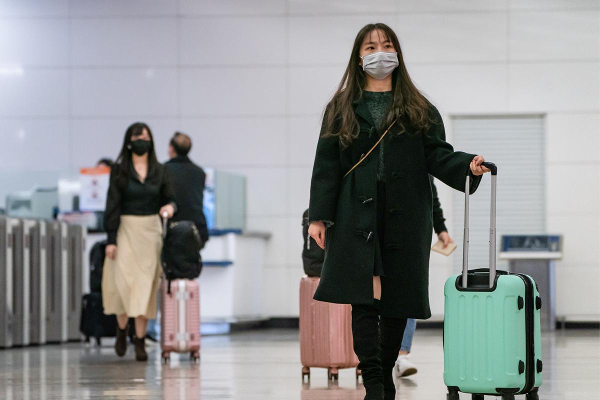 受疫情影響,旅行社海外旅遊幾乎零業績,傳出實體門市出現關門潮,雄獅與易遊網關了37家實體門市。圖為示意圖。(Anthony Kwan/Getty Images)