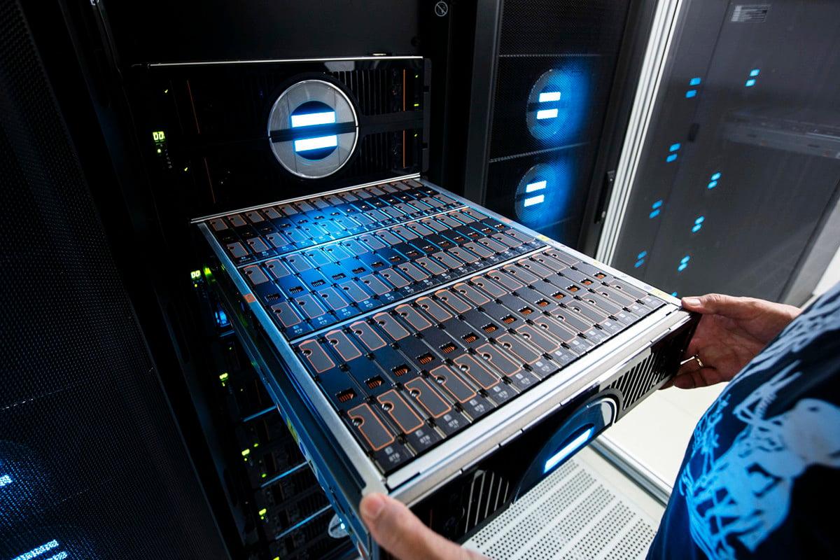 美國專家透露,中國超級電腦的卡脖子技術在網絡上。而美國商務部的這次禁令或直接重創中國超級電腦行業的未來發展。(Morris MacMatzen/Getty Images)