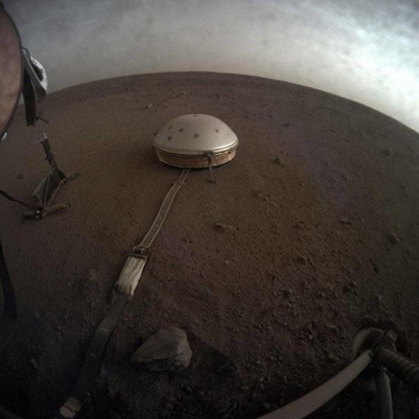 2019年4月25日,洞察號在火星上。(NASA)