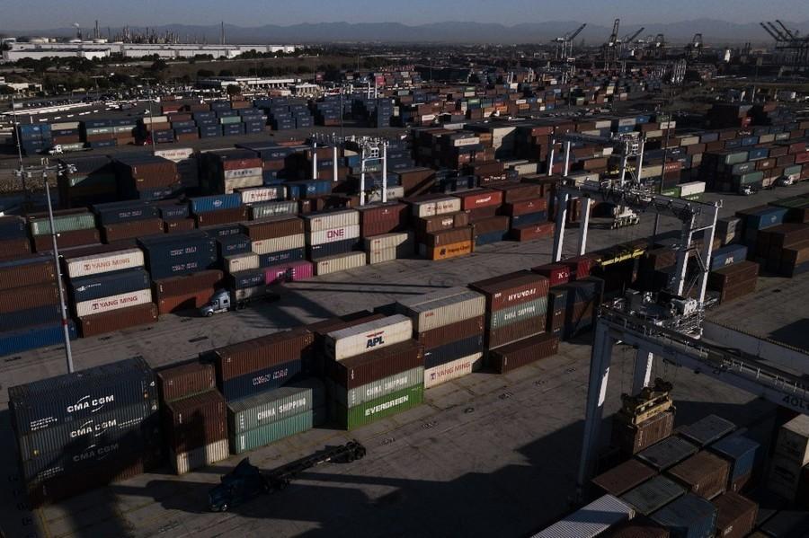 供應鏈危機 美最大貨櫃港口積壓20萬貨櫃