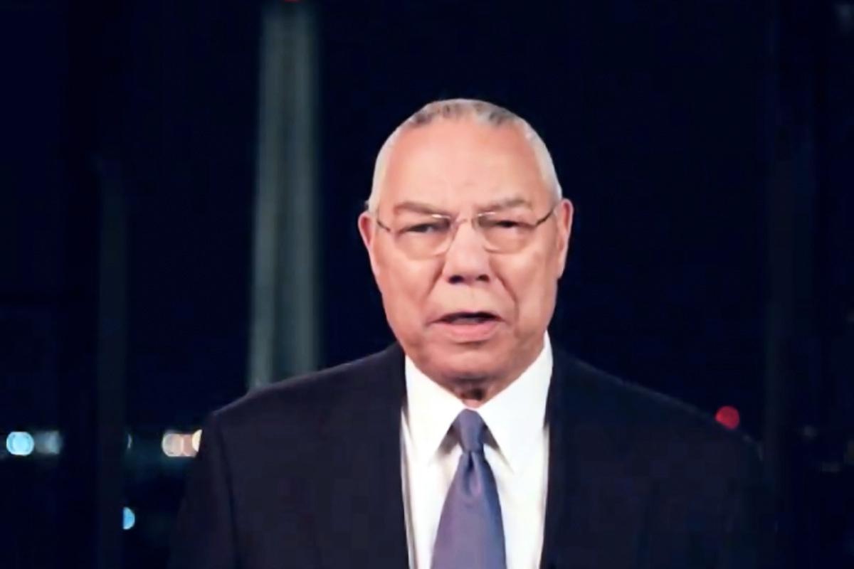 2020年8月18日,美國威斯康辛州密爾沃基市,在民主黨全國代表大會直播截圖中,前國務卿科林‧鮑威爾(Colin Powell)在線上大會發表講話。(Handout/DNCC via Getty Images)
