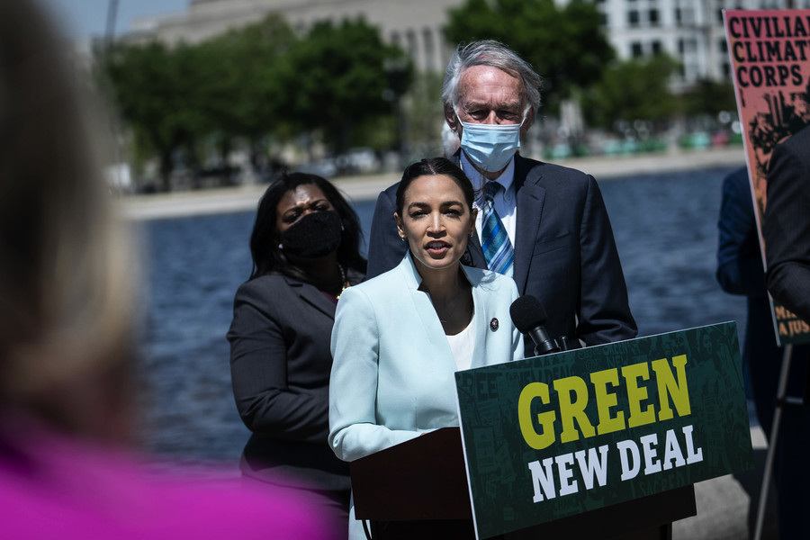 民主黨重提綠色新政 共和黨:社會主義超級套餐