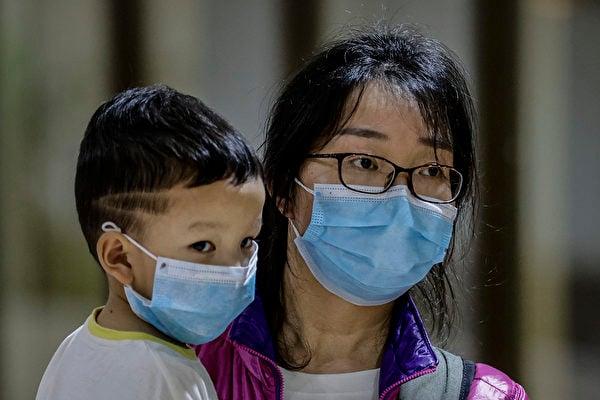 中共肺炎爆發,各國在紛紛撤僑。(Ezra Acayan/Getty Images)