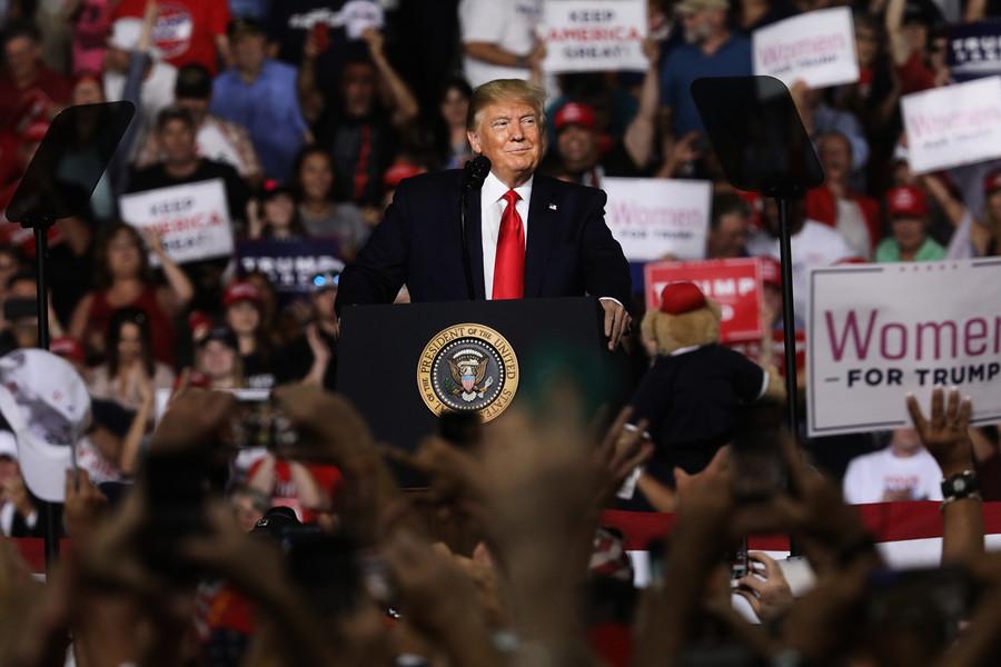 特朗普參加競選集會 「我們必須對付中共」