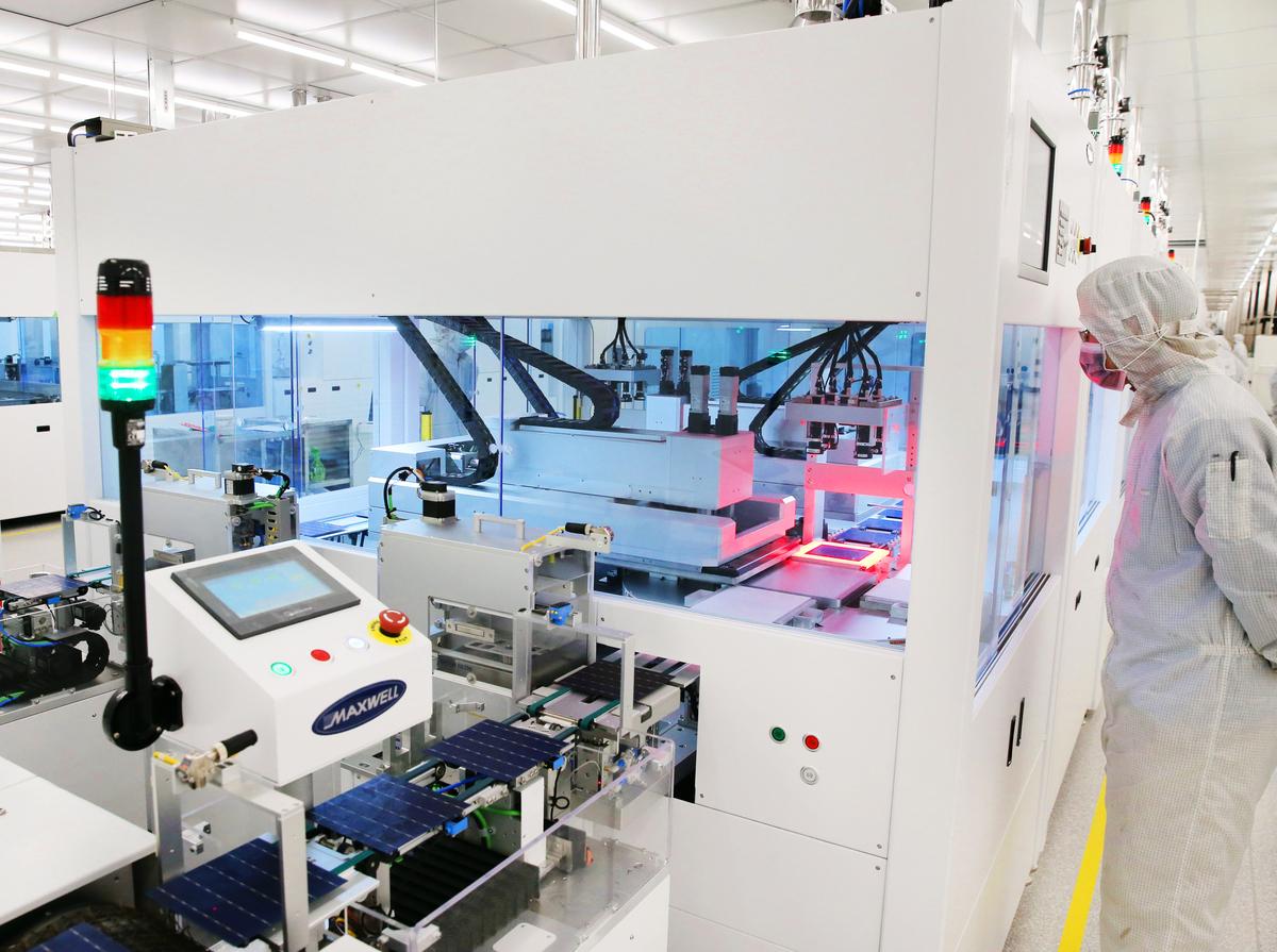 過去20年,台灣中小型工廠紛紛轉到中國設廠,如塑膠、五金、紡織與電子產業等。但近年來,工廠不是被吞掉,就是被迫關廠。圖為示意圖。(AFP)