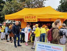 波蘭華莎文化節 法輪功學員傳統節目受矚目