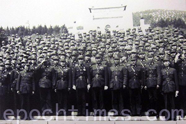 平型關115師三十節式重機槍陣地。(戰後擺拍系列照)